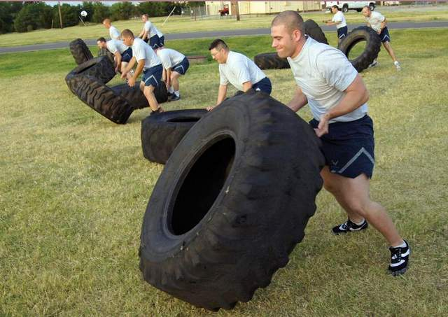 Airmen Working Out